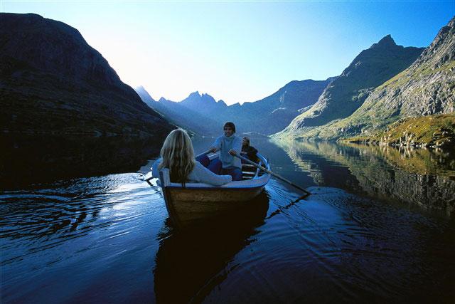 Lofoten Islands, Northern Norway - amazing tours & cruises ...