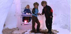 Ice hotel. Photo Kirkenes Snow Hotel