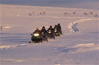 Snow mobile safari. Photo Trym Ivar Bergsmo/Finnmark TB