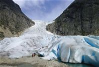 Briksdal glacier. Photo Terje Rakke, Nordic Life/Innovation Norway