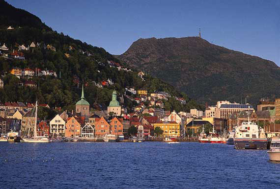 Bergen waterfront. Photo: Per Nybo, Bergen tourist board